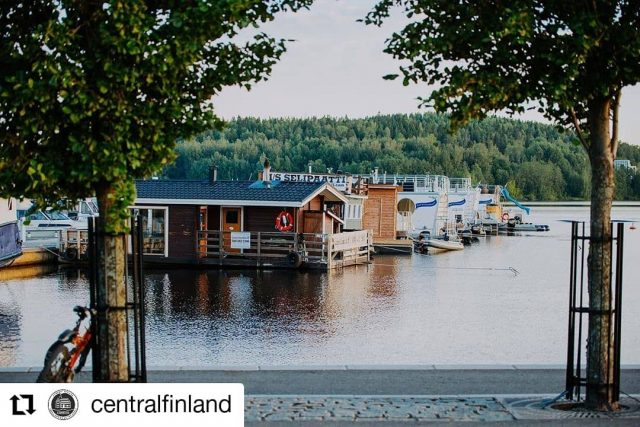 Rent a houseboat in the Lakeland of Finland - Houseboat, Finland